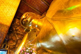 The reclining Buddha, Wat Pho, Bangkok. Image by Austin Bush